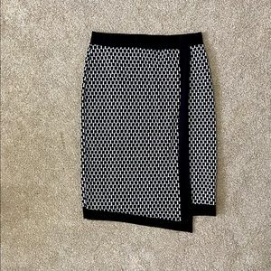 Black and white stretch knit skirt